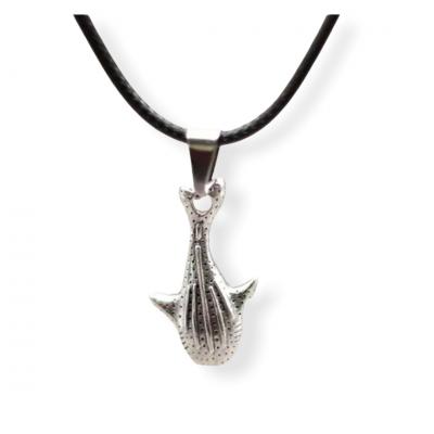 Zwart koord ketting met zilverkleurige haai